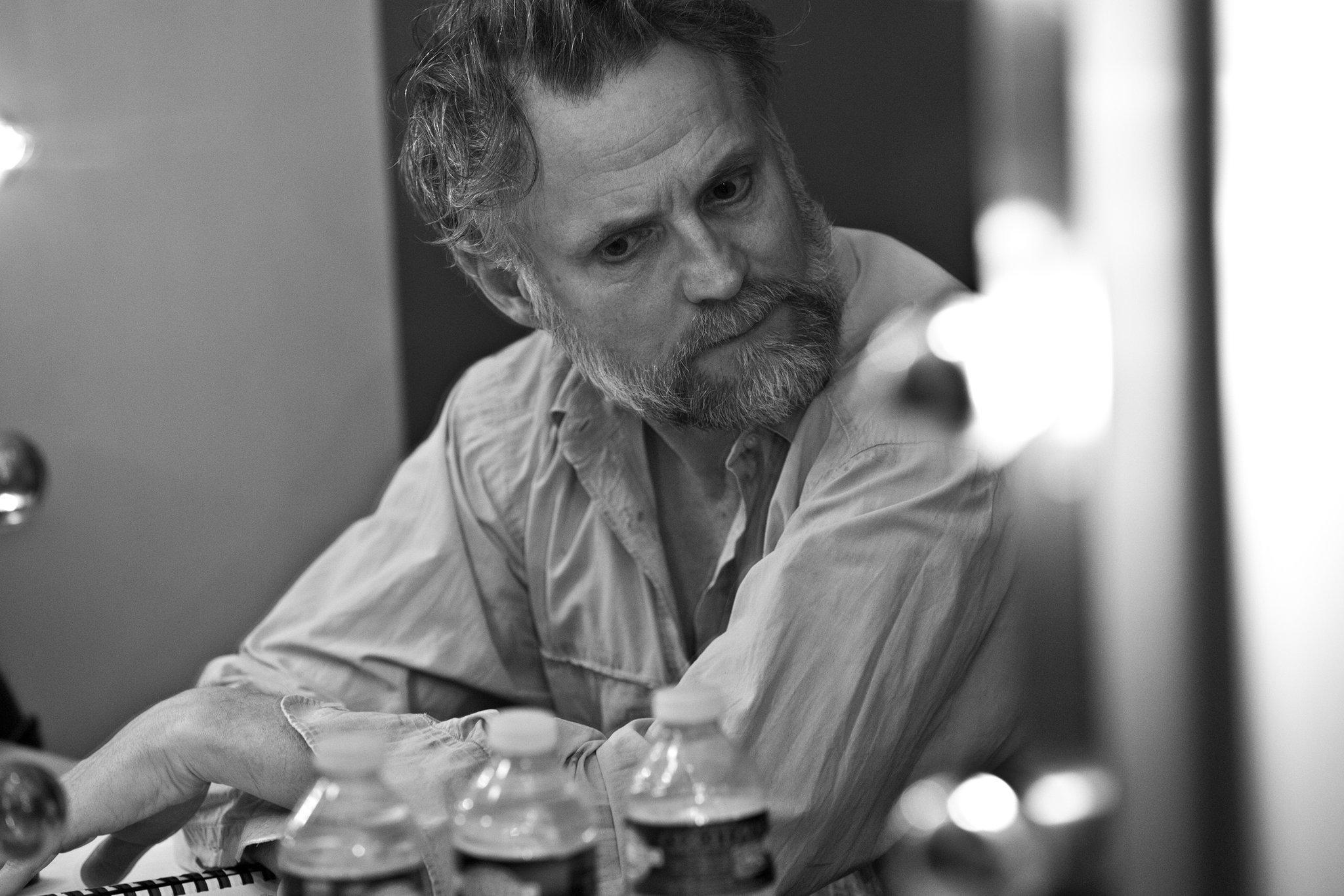 Claude Duparfait en coulisses des Géants de la montagne mise en scène (Stéphane Braunschweig)